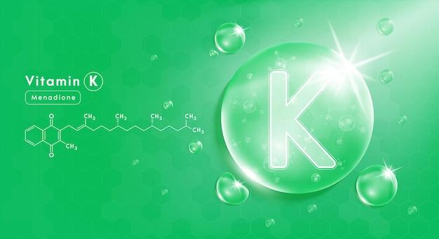 Goccia acqua vitamina k verde e struttura complesso vitaminico con formula chimica dalla natura