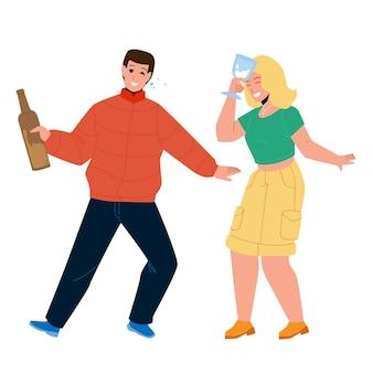 Uomo ubriaco e donna coppia bere insieme vettore. giovane ragazzo ubriaco che tiene bottiglia con bevanda alcolica e ragazza con una tazza di vetro di champagne. personaggi sull'illustrazione piana del fumetto del partito dell'alcool