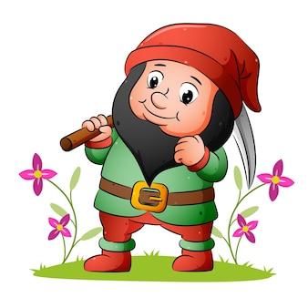 Il nano tiene la falce e sta in piedi nel giardino dell'illustrazione