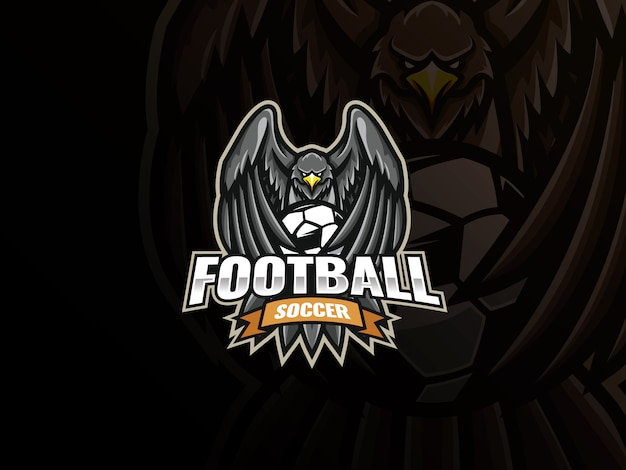 Disegno logo aquila mascotte sport. logo dell'illustrazione di vettore della mascotte di calcio di eagle. eagle copre il pallone da calcio con le ali,