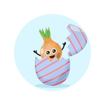 Uovo di pasqua cipolla simpatico personaggio mascotte