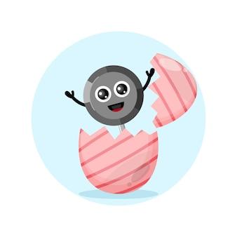 Padella per uova di pasqua simpatico personaggio mascotte