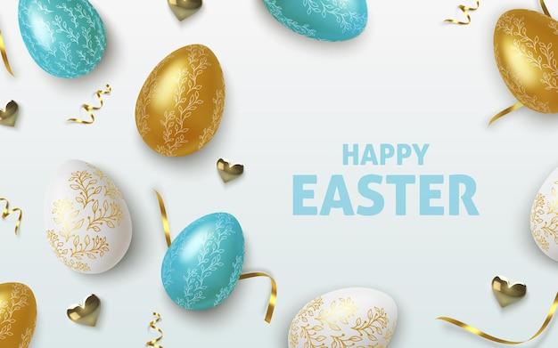 Sfondo di auguri di pasqua con realistiche uova di pasqua dorate, blu e bianche.