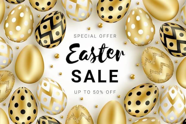 Concetto di banner di vendita di pasqua decorato con uova dorate lucentezza realistica e perline d'oro