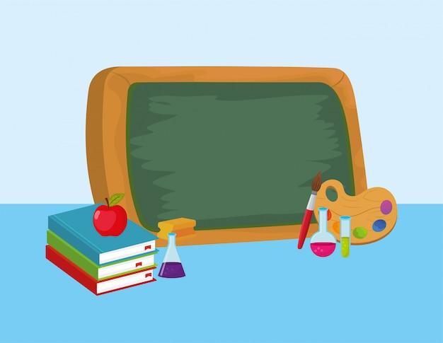 Lavagna di educazione con flacone erlenmeyer e notebook