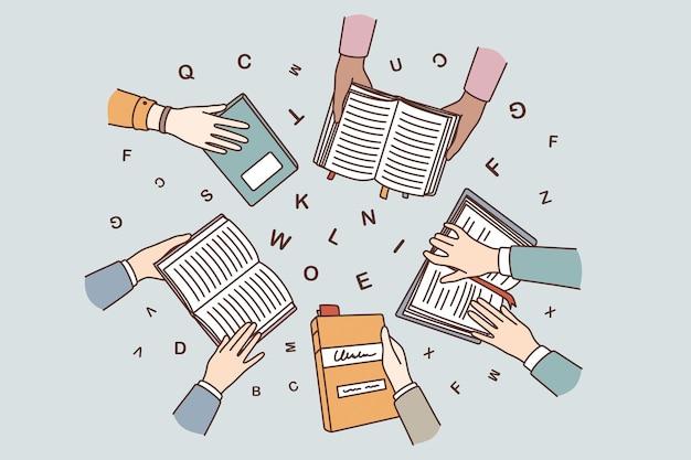 Istruzione, apprendimento e concetto di lettura. vista dall'alto delle mani umane che tengono libri che imparano a studiare con lettere che sorvolano l'illustrazione vettoriale