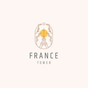 Punto di riferimento della torre eiffel parigi francia con modello di logo in stile linea fiore fiore