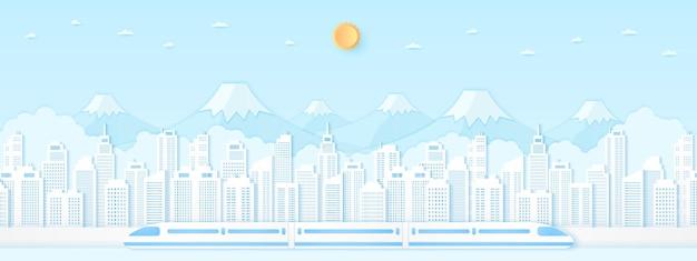Trasporto in treno elettrico ad alta velocità paesaggio urbano paesaggio costruzione montagna con cielo blu