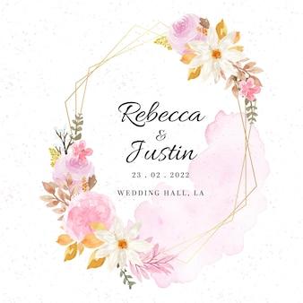 Elegante cornice floreale per invito a nozze con fiori autunnali e macchie di acquerello astratto