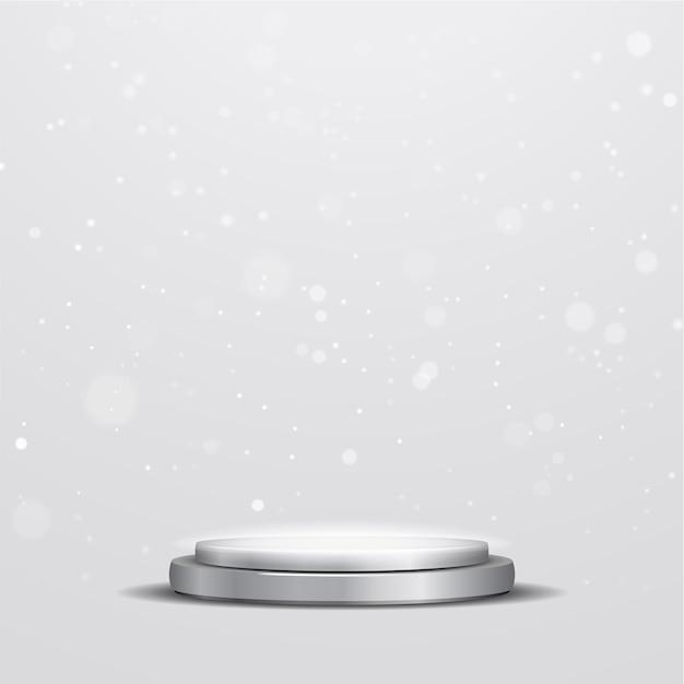 Elegante podio argento metallizzato con riflettore e luci bokeh