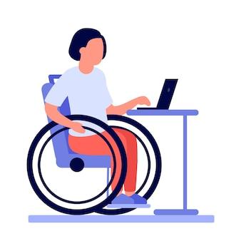 La donna disabile dipendente sulla sedia a rotelle lavora in linea sul computer portatile.