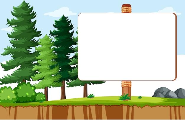 Bordo vuoto della bandiera nel paesaggio del parco naturale