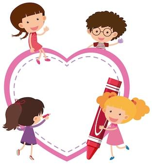 Banner vuoto a forma di cuore con molti bambini in stile cartone animato isolato