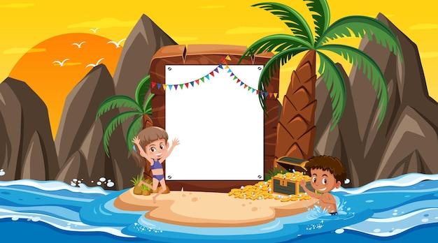 Modello di banner vuoto con bambini in vacanza sulla scena del tramonto sulla spiaggia