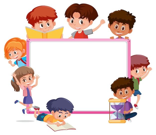 Tabellone vuoto con molti personaggi dei cartoni animati per bambini