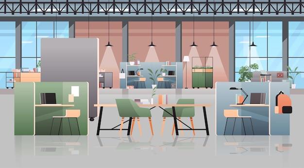 Centro di coworking vuoto interno moderno della stanza dell'ufficio spazio aperto creativo con l'illustrazione orizzontale della mobilia