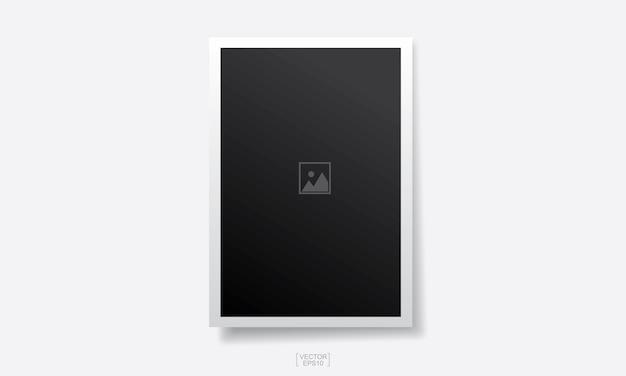 Sfondo cornice foto vuota su bianco