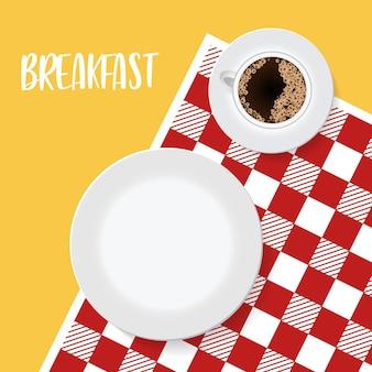 Piatto vuoto e caffè su tovaglia o tovagliolo rosso modello di logo di ristorante o bar aspettandomi