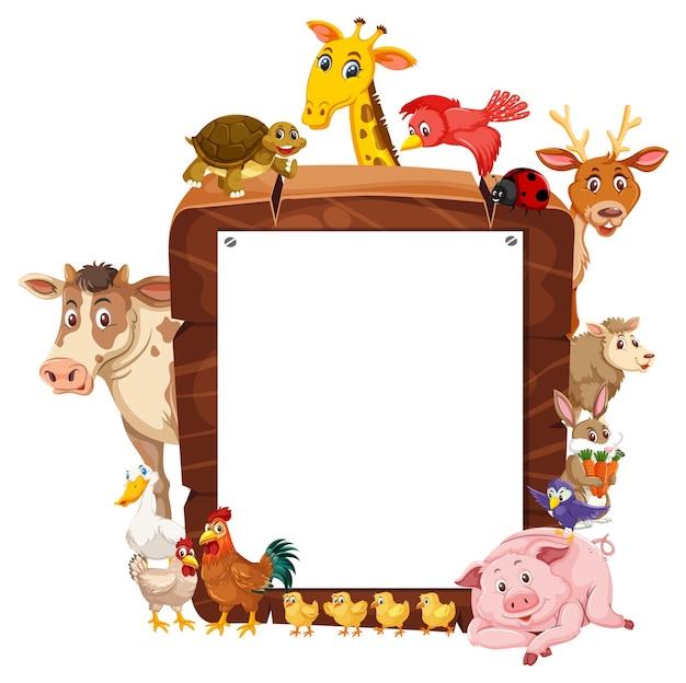 Cornice di legno vuota con vari animali da fattoria