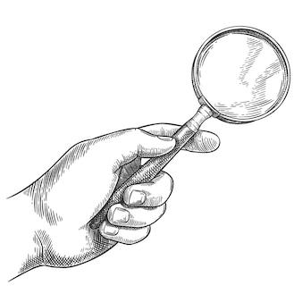 Lente d'ingrandimento con mano incisa. lente d'ingrandimento detective disegnata a mano retrò, schizzo di ricerca e illustrazione vettoriale di lente d'ingrandimento antica. mano maschio che tiene strumento di attrezzatura vintage con vetro per l'ingrandimento