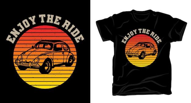 Goditi la tipografia vintage del giro con il design della maglietta di un'auto classica