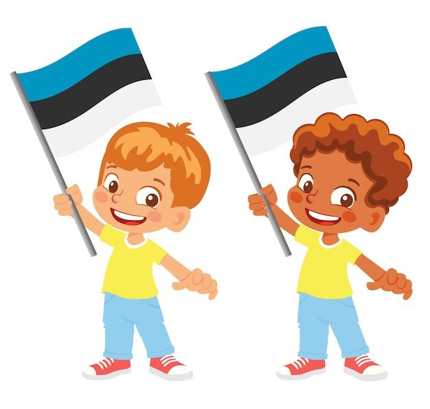 Bandiera dell'estonia in mano insieme