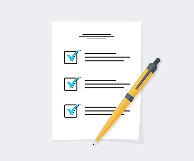 Pila di fogli di carta del modulo d'esame con risposta alla valutazione del risultato di successo, idea del documento di prova dell'istruzione. test di istruzione, questionario, documento
