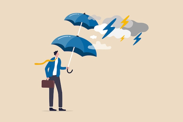 Protezione extra per temporali in arrivo, protezione aziendale o assicurazione, resilienza o scudo per sopravvivere al concetto di situazione di crisi, uomo d'affari che tiene ombrello a doppio strato per proteggersi dalla tempesta