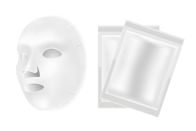 Foglio di maschera facciale, pacchetto di bellezza prodotto cosmetico al collagene per il viso isolato su sfondo bianco