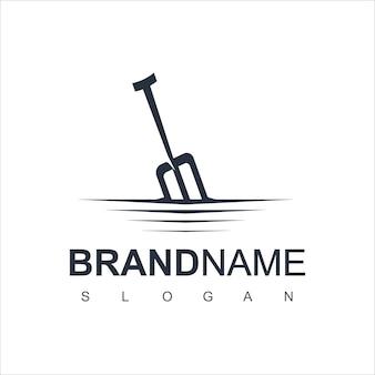Vettore di progettazione di logo dell'azienda agricola con il simbolo del tridente