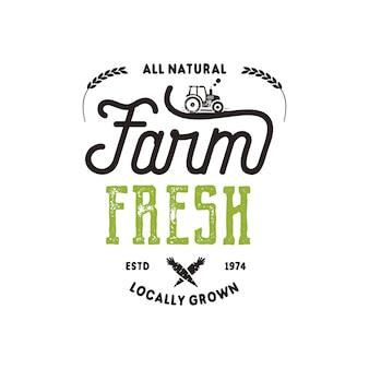 Distintivo di tipografia del mercato degli agricoltori. modello di logo del prodotto fresco e locale. insegne tipografiche della fattoria ecologica in stile nero e verde. isolato su sfondo bianco. patch di vettore.