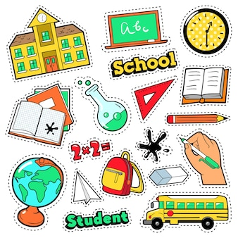 Distintivi di moda, toppe, adesivi in tema scolastico di educazione in stile fumetto con libri, globo e zaino. sfondo retrò