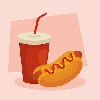 Fast food, delizioso hot dog con bevanda in bottiglia