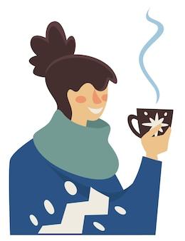Personaggio femminile che gode di una tazza di tè o caffè caldo. signora isolata che indossa vestiti caldi e sciarpa che beve bevanda calda versata nella tazza. celebrazione dell'umore e delle vacanze invernali. vettore in stile piatto
