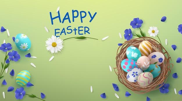 Banner festivo con cesto e uova di pasqua con fiori e petali decorativi con posto per un'iscrizione.