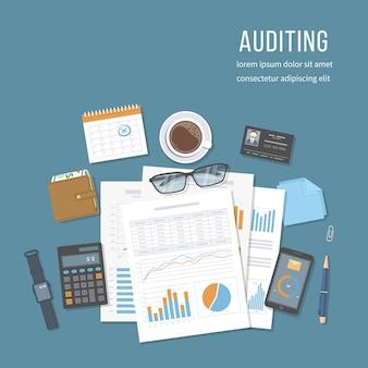 Audit finanziario, contabilità, analisi, analisi dei dati, report, ricerca. documenti con grafici grafici, report, borsa, calcolatrice, calendario, carta d'identità del revisore, taccuino.