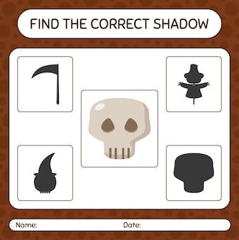 Trova il gioco di ombre corretto con il teschio. foglio di lavoro per bambini in età prescolare, foglio di attività per bambini