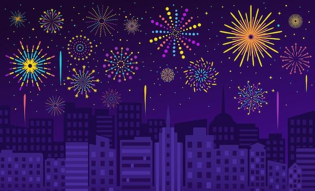 Fuochi d'artificio sulla città, cielo notturno con spettacolo pirotecnico. carnevale, festa, petardi festosi sera illustrazione vettoriale paesaggio urbano