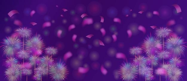 Fuochi d'artificio su sfondo viola bokeh per la celebrazione del felice anno nuovo o un compleanno speciale