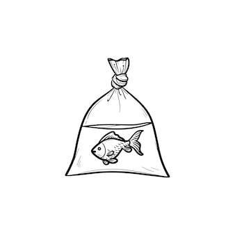 Un pesce nell'icona di doodle di contorni disegnati a mano del sacchetto di plastica. pesce d'oro nella borsa come concetto di inquinamento di acquari e oceani