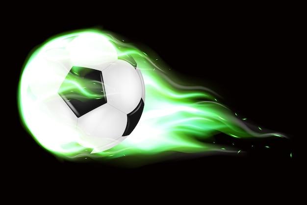 Un pallone da calcio fiammeggiante che vola