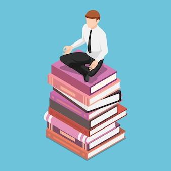 Piatto 3d isometrico uomo d'affari facendo meditazione nella posa del loto sulla pila di libri. conoscenza aziendale e concetto di istruzione.