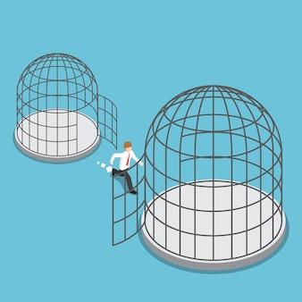 L'uomo d'affari isometrico 3d piatto lascia la gabbia piccola per andare alla gabbia più grande.