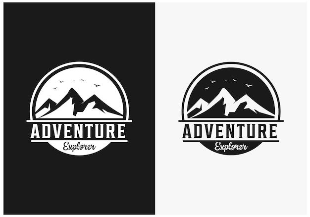Ispirazione per il logo dell'avventura in montagna con distintivo piatto