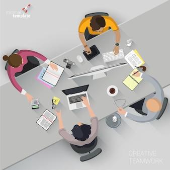 Concetto di pagina web design piatto per processo aziendale creativo e strategia aziendale, lavoro di squadra. ufficio domestico alla moda e outsourcing per sito web e app mobile.