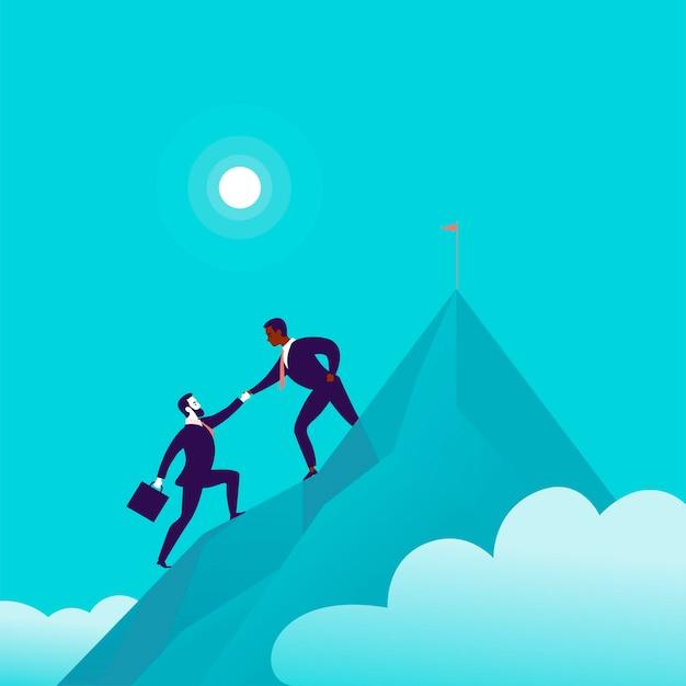 Illustrazione piatta con uomini d'affari che si arrampicano insieme sulla cima del picco di montagna su sfondo blu cielo nuvoloso. lavoro di squadra, realizzazione, raggiungimento dell'obiettivo, collaborazione, motivazione, supporto - metafora.