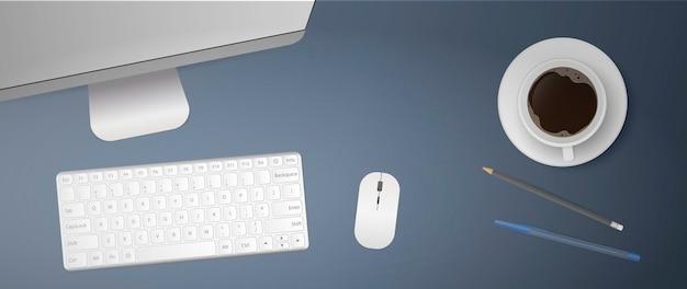 Disposizione piatta del posto di lavoro in ufficio. parte superiore del desktop. monitor del computer, tastiera, mouse del computer, tazza di caffè, penna, matita. realistico