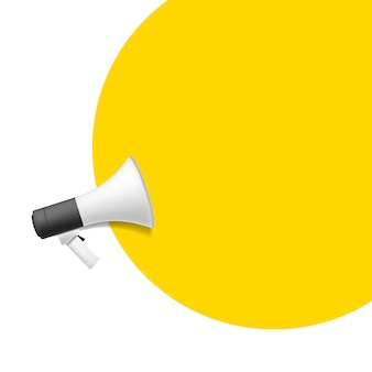 Icona di vettore piatto del megafono con bolla gialla per il concetto di social media marketing. sfondo bianco.