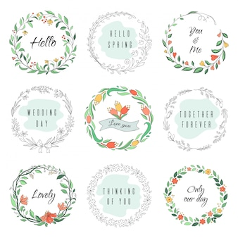 Cornici di doodle cerchio floreale. corona di alloro circolare, bordi monogramma svolazzanti, forme botaniche disegnate a mano. set di cornici per fioristi