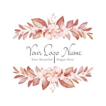 Cornice floreale di rose marroni dell'acquerello e fiori selvatici con varie foglie